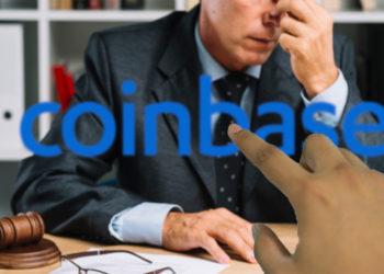 Mano señala logo de Coinbase con ejecutivo cansado en el fondo. Composición por CriptoNoticias. Coinbase / wikipedia.org; iModDesign / pixabay.com; freepik / freepik.com.