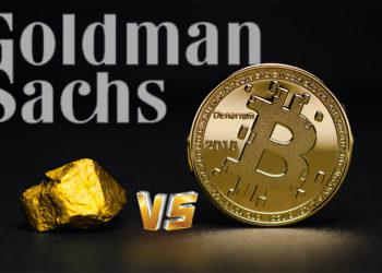 Pieza de oro junto a moneda de Bitcoin con logo de Goldman Sachs en el fondo. Composición por CriptoNoticias. freepik / freepik.com; Goldman Sachs / wikipedia.org; Aleksi Räisä / unsplash.com.
