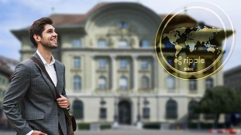 Ejecutivo junto a moneda de Ripple con banco difuminado en el fondo. Composicón por CriptoNoticias. hslergr1 / pixabay.com; WorldSpectrum / pixabay.com; vadymvdrobot / elements.envato.com.