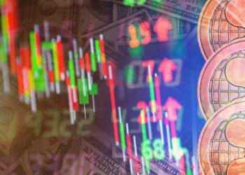 Monedas de Ripple (XRP) sobre gráfico e indicadores de mercado bajistas. Composición por CriptoNoticias. jirkaejc / elements.envato.com; jcomp / freepik.com.