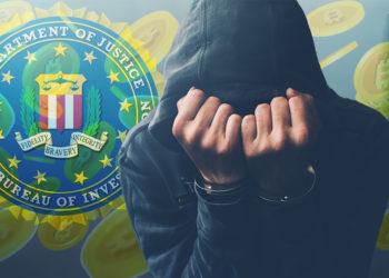 Hacker esposado oculta su rostro con logo del FBI y monedas de bitcoin cayendo en el fondo. Composición por CriptoNoticias. FBI / wikipedia.org; katemangostar / freepik.com; stevanovicigor / elements.envato.com.