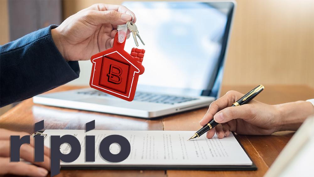 Hombre entrega llaves de empresa BitcoinTrade a mujer que firma documentos con logo de Ripio. Composición por CripotNoticias. twenty20photos / elements.envato.com; Bitcoin Trade / twitter.com; kenishirotie / elements.envato.com; Ripio / ripio.com.com.