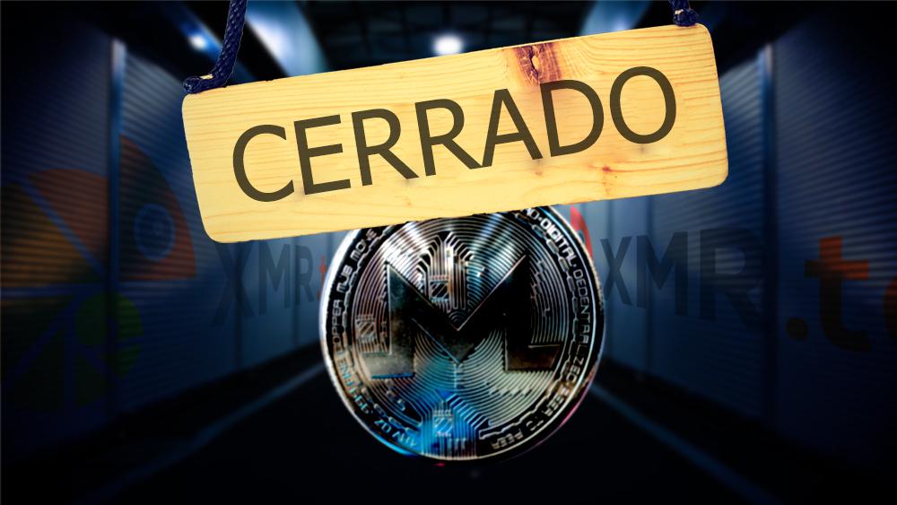 Letrero de cerrado con moneda de Monero en frente de galpones de mercado con logo de XMR.to. Composición por CriptoNoticias. garloon / elements.envato.com; XMR.to / XMR.to; mrsiraphol / freepik.com; aknologia6path / pixabay.com