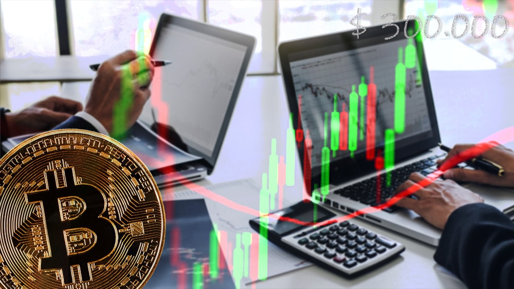 Moneda de Bitcoin sobre gráfico alcista apuntando a USD 300.000 con traders estudiando gráficos de mercado en el fondo. Composición por CriptoNoticias. johan10 / elements.envato.com; Jcomp / elements.envato.com; twenty20photos / elements.envato.com.