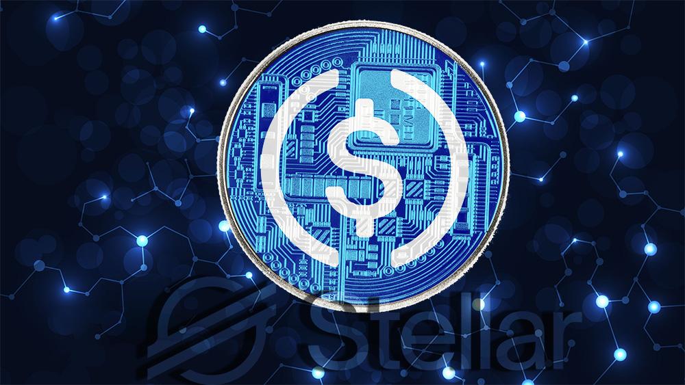 Moneda de USDC sobre  blockchain digital con logo de Stellar superpuesto. Composición por CriptoNoticias. Centre / centre.io; Stellar / stellar.org; johan10 / elements.envato.com; vector_corp / freepik.com.
