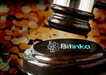 Bitinka y maso de juez con fondo de patrón de hexágonos. Composición por CriptoNoticias. Fuentes:  Rawpixel  /  elements.envato.com  ;   bitinka /  bitinka.com  ;  photocreo  /  elements.envato.com  .
