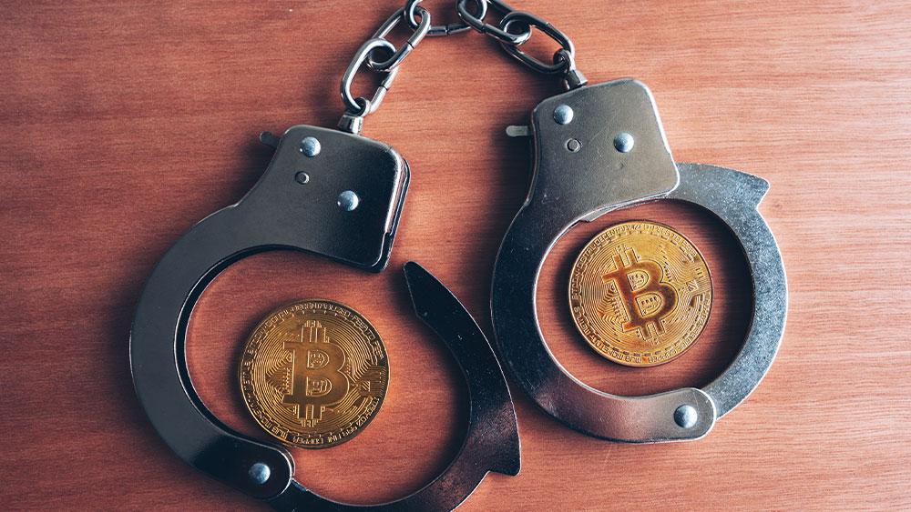Bitcoins y esposas. Composición por CriptoNoticias Fuentes:  stevanovicigor  /  elements.envato.com .