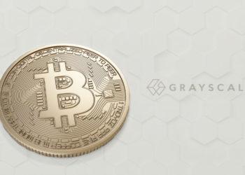 Bitcoin y logo de Grayscale sobre fondo de patrón hexagonal.