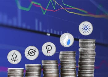 Pila de monedas con gráfico.