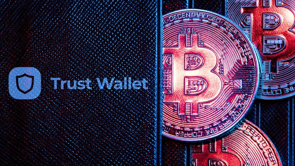 Billetera con bitcoins y logo de Trust Wallet.
