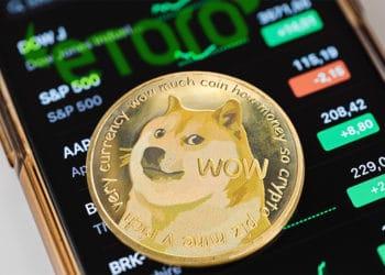 eToro exchange lista dogecoin aumento precio capitalización