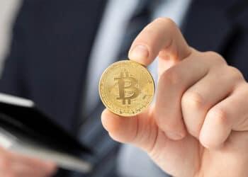 Bitcoin y ejecutivo.