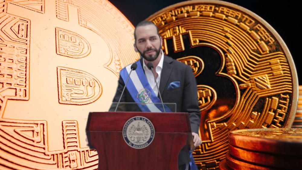 Bukele en podio con bitcoins.