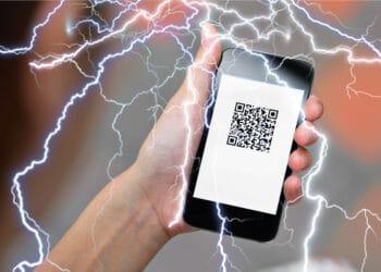 Factura QR con relámpagos que representan Lightning.