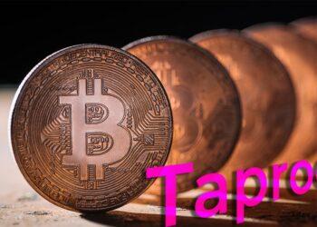 Bitcoin en fila con palabra Taproot.