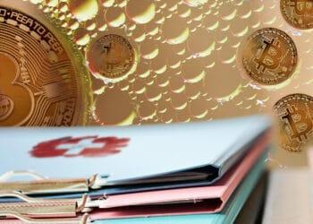 Mesa con carpetas y bandera de Suiza y burbujas con bitcoins.