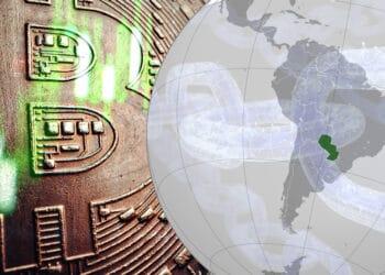 BTC con gráfico y mapa mundi con blockchain y Paraguay resaltado.