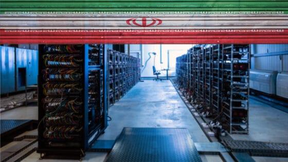 Irán carga contra la minería ilegal de Bitcoin y confisca 7.000 equipos