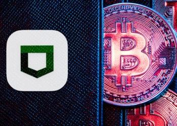 Cartera Tezor con bitcoins.