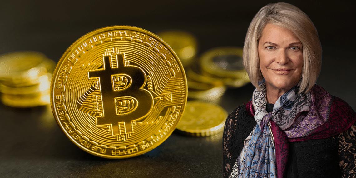 Senadora Lummis con bitcoin.
