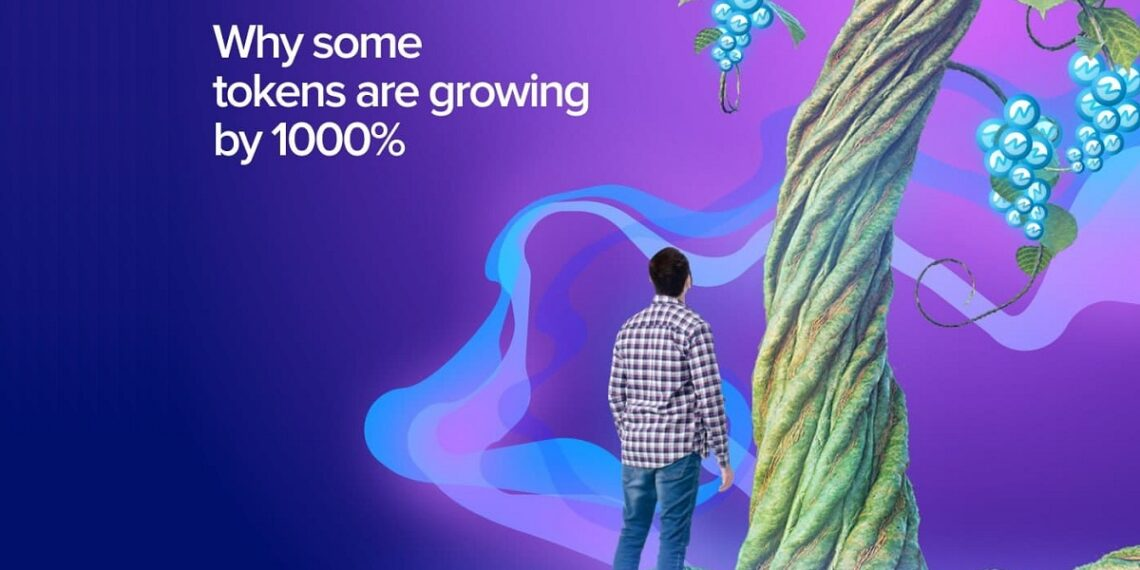 Hombre parado al lado del tronco de un arbol gigante con token NMX como frutos