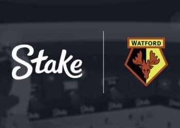 Logos del Casino Stake y del equipo de fútbol inglés Watford FC