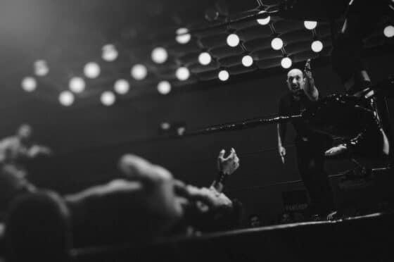 Campeón de boxeo Tyson Fury gana por nocaut en el mercado de NFT de Binance