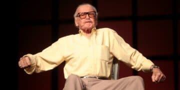 Stan Lee sobre un escenario.
