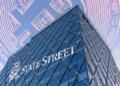 Edificio y bitcoin con logo State Street.