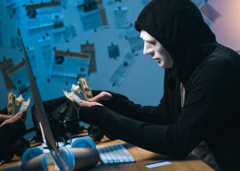 hackers estados unidos recompensas bitcoin infiltrados dark web