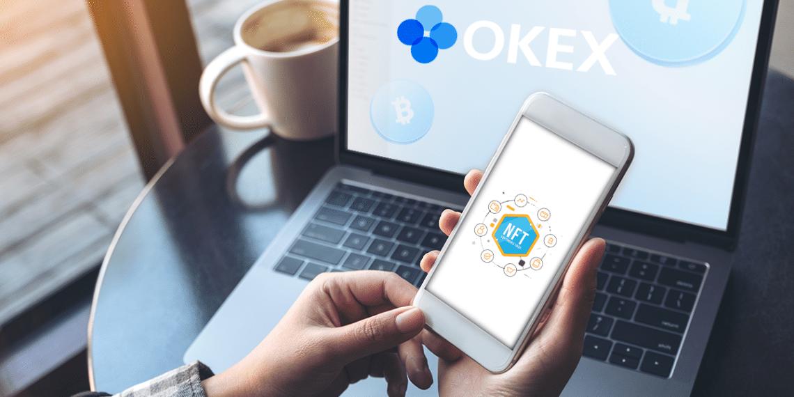 Pantalla con logo de OKex y teléfono con letras NFT.
