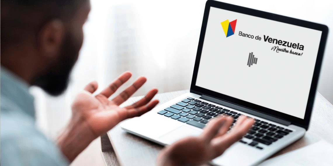 Persona desesperada usando sitio web de Banco de Venezuela.