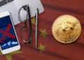 Censura con bandera de China y BTC.