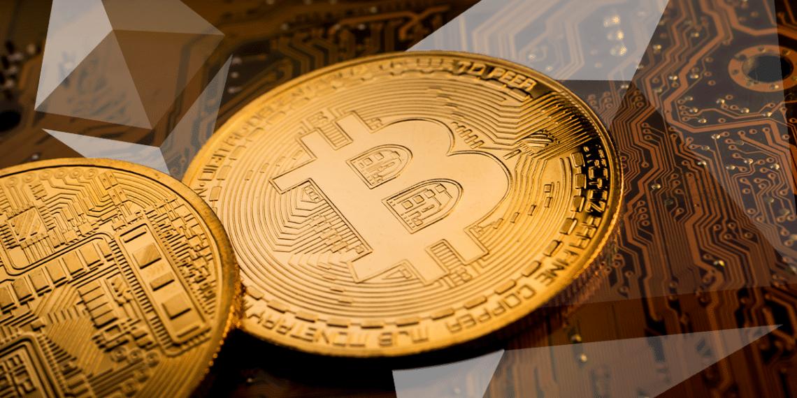 Bitcoins y logo de Ethereum.