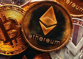 Ether, la segunda moneda por capitalización de mercado destronó a bitcoin en Coinbase en el segundo trimestre. Fuente: https://pixabay.com/es/photos/btc-bitcoin-criptomoneda-moneda-6272696/