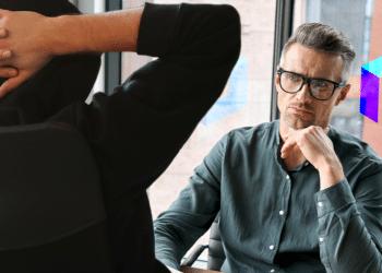 Hacker entrevistado en oficina de Polygon.