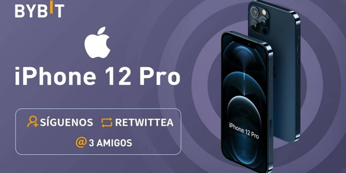 Un par de iPhone 12 Pro junto al logo de Apple y de Bybit