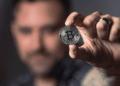 Otra plataforma que convierte salarios depositados en dólares a bitcoin se suma al mercado: Strike. Fuente: pexels.