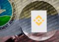 El caso de bloqueo de fondos de Binance Colombia involucra a autoridades de Holanda y a la DEA de Estados Unidos.   Composición por CriptoNoticias. Fuentes:  sergign  /  elements.envato.com  ;  twenty20photos  /  elements.envato.com  ;  cryptologos.cc  ;  en.wikipedia.org .