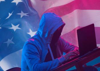 Hacker con bandera de USA.