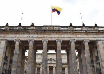 gobierno-colombia-tomara-dinero-cuentas-bancos-usuarios